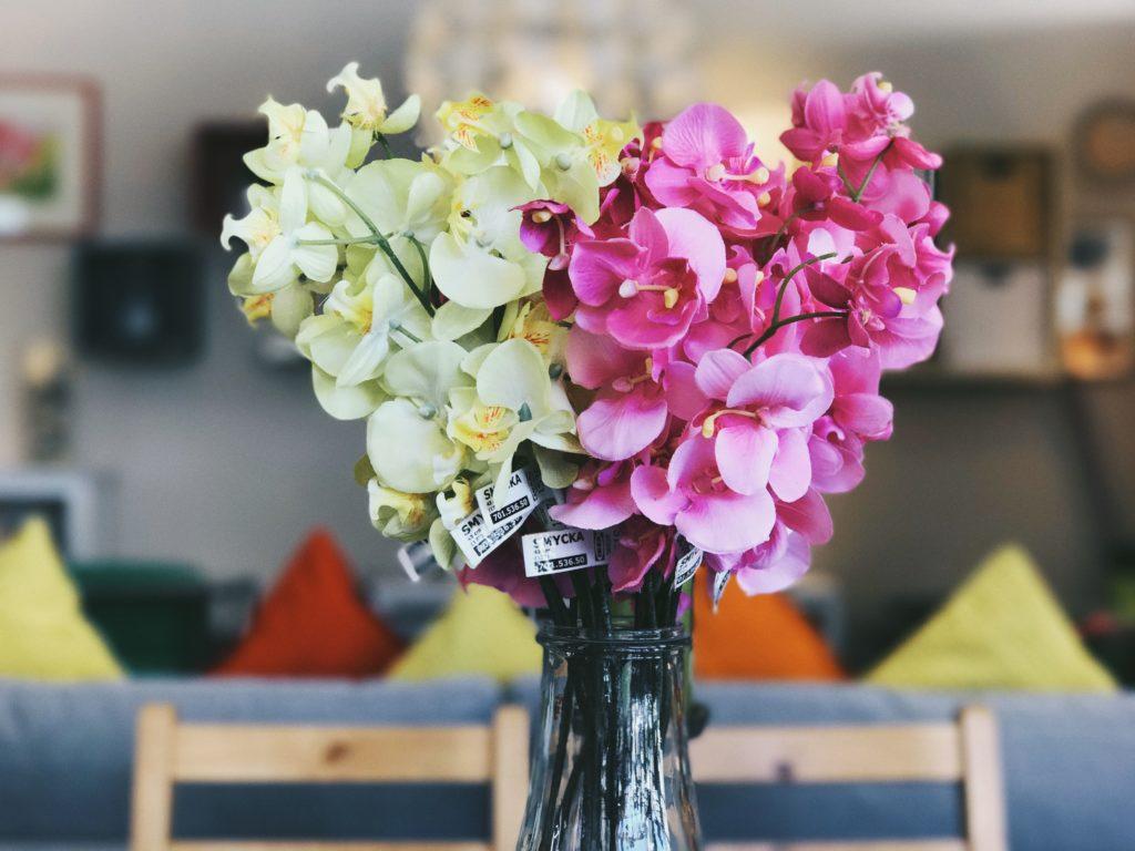 comment raviver les couleurs des fleurs artificielles